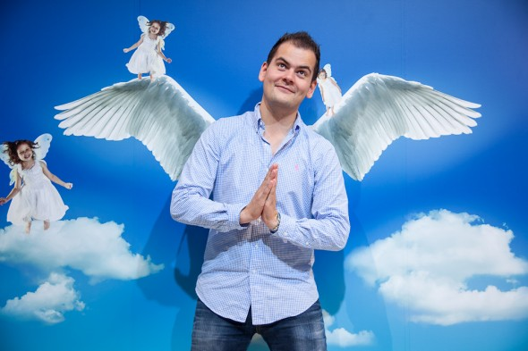 Til trods for lidt meget video mente hansen han var en engel