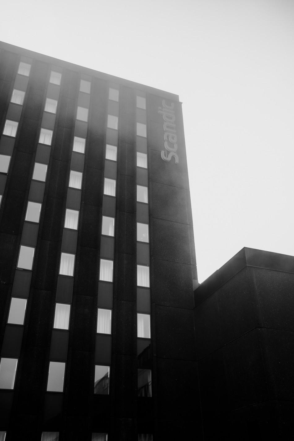 Scandic Hotel i Herning indhyldet i tåge