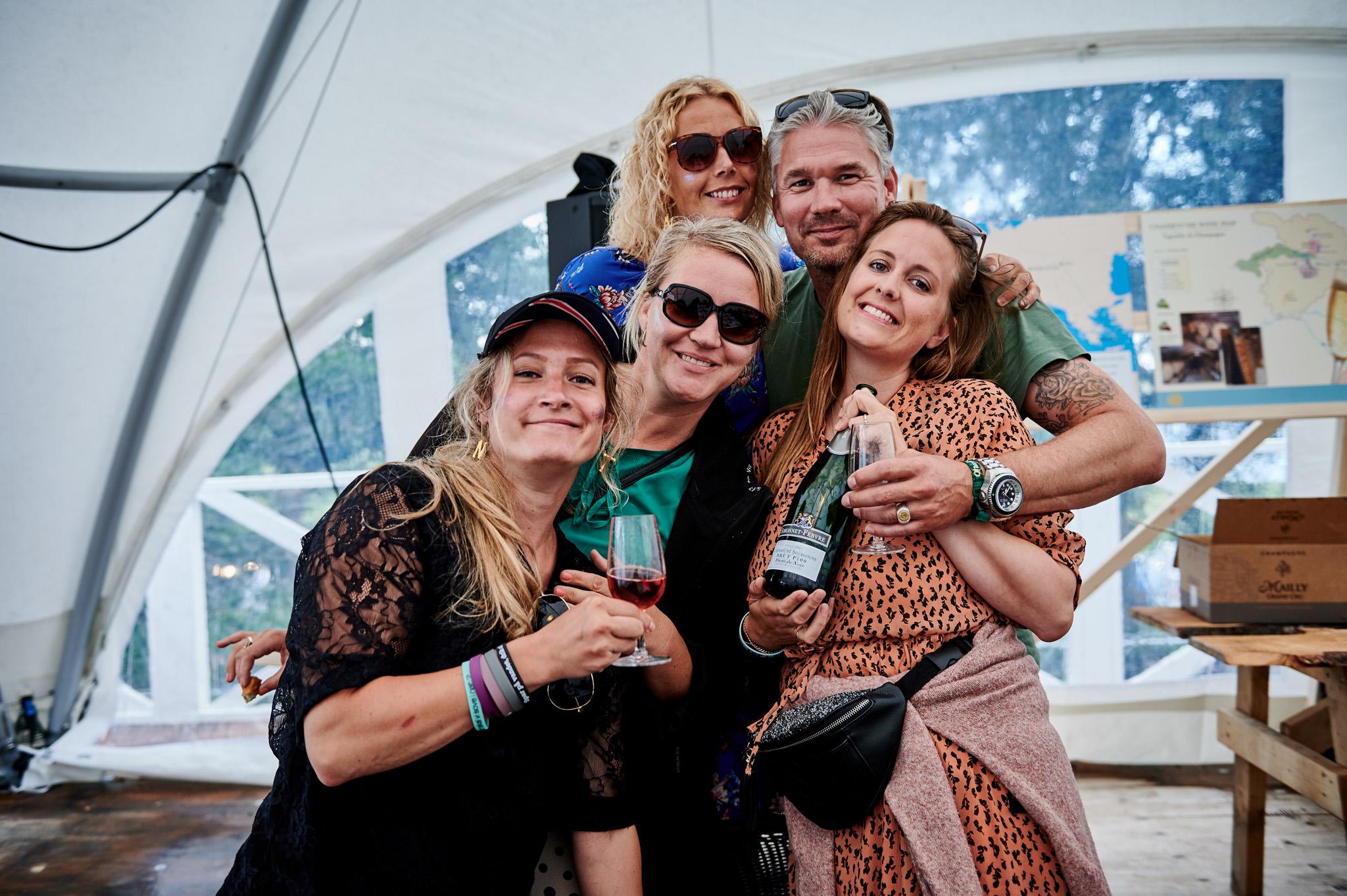 Glade deltagere til Champagne smagning Smukfest 2019